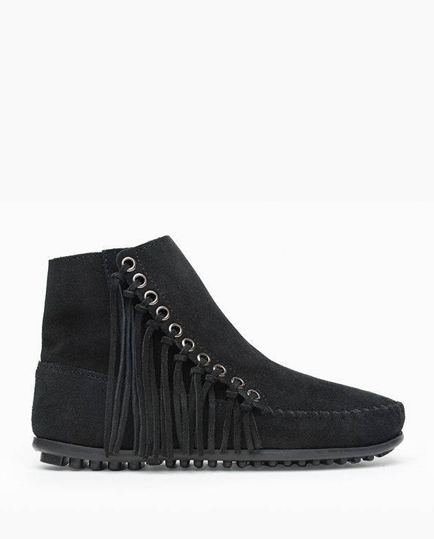 Minnetonka Willow Boot Black