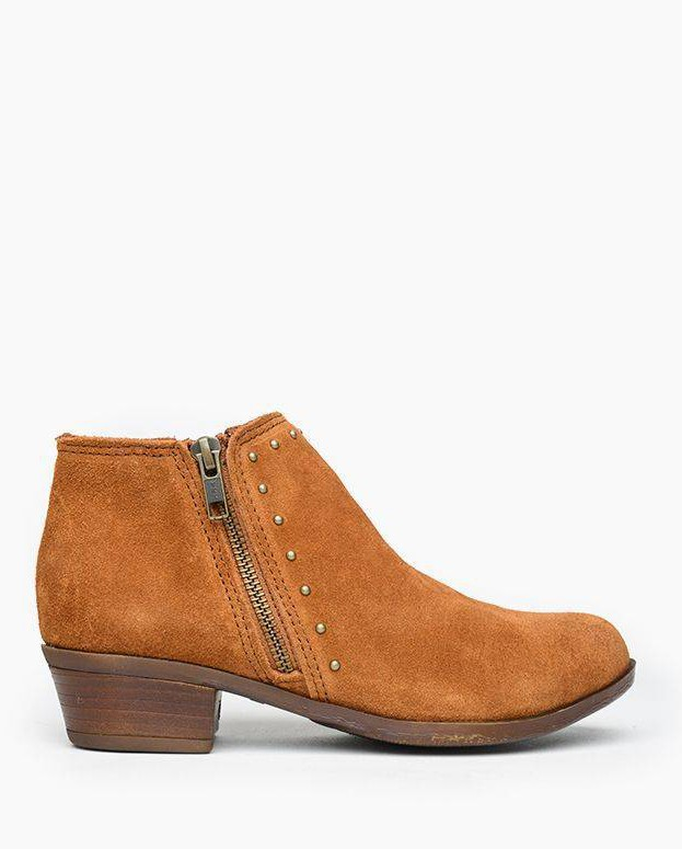 Minnetonka Brie Boot Brown